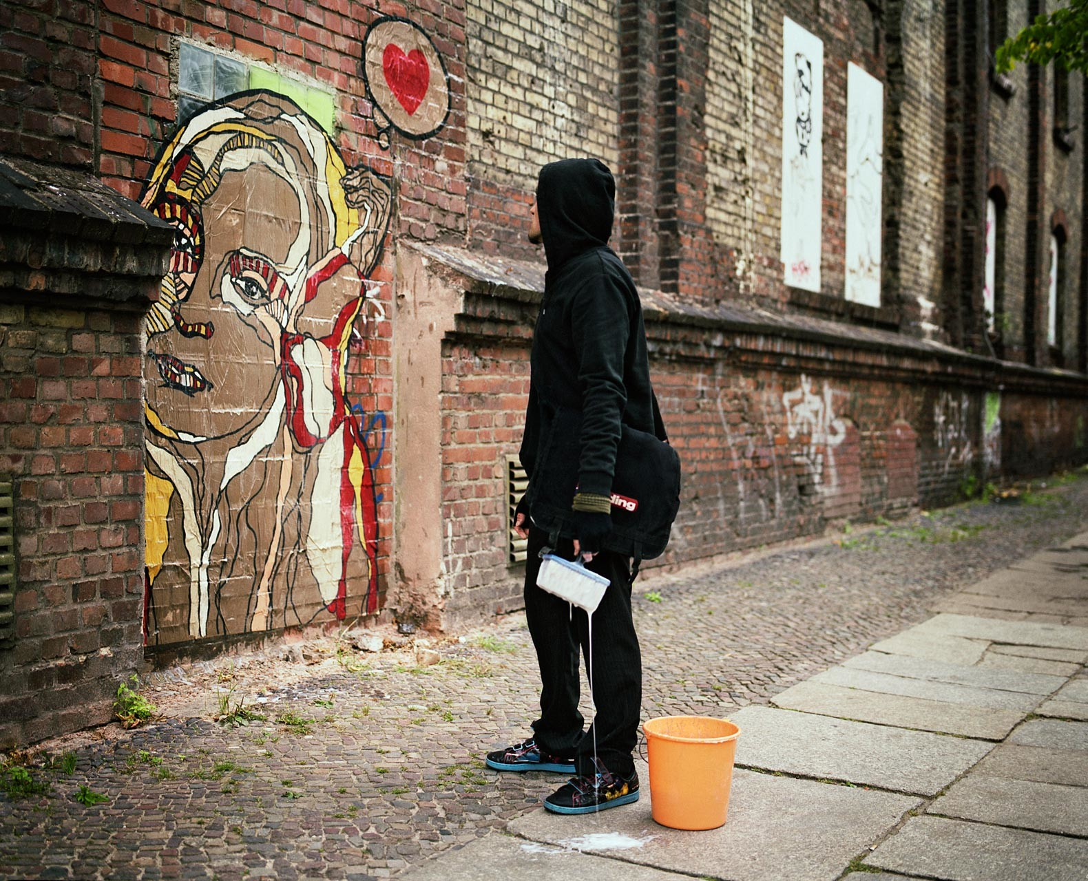 timo-stammberger-photography-berlin-el-bocho-artist-wheatpaste-love-street-art