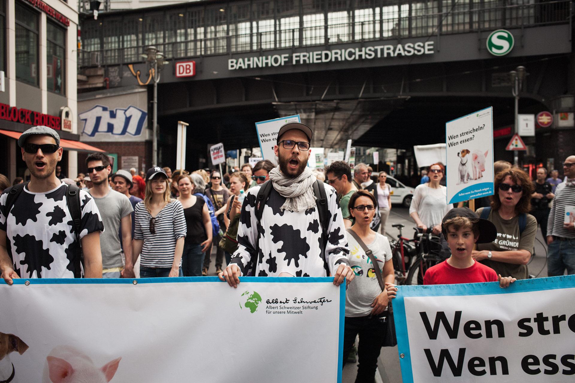 timo-stammberger-photography-fotografie-animal-rights-tierrechte-activism-aktivismus-friedrichstrasse-vegan-compassion