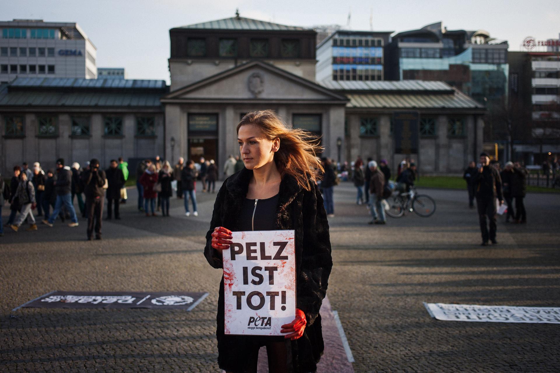 timo-stammberger-photography-fotografie-animal-rights-tierrechte-activism-aktivismus-peta-pelz-fur-compassion