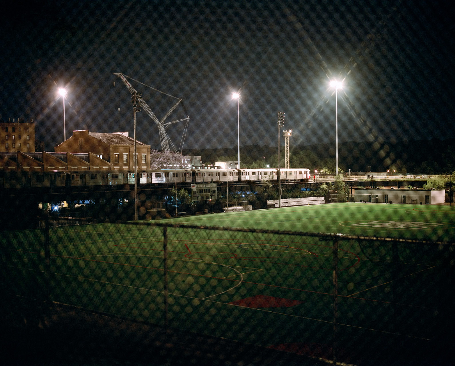 timo-stammberger-photography-new-york-city-bronx-subway-van-cortland-park-night-football-field