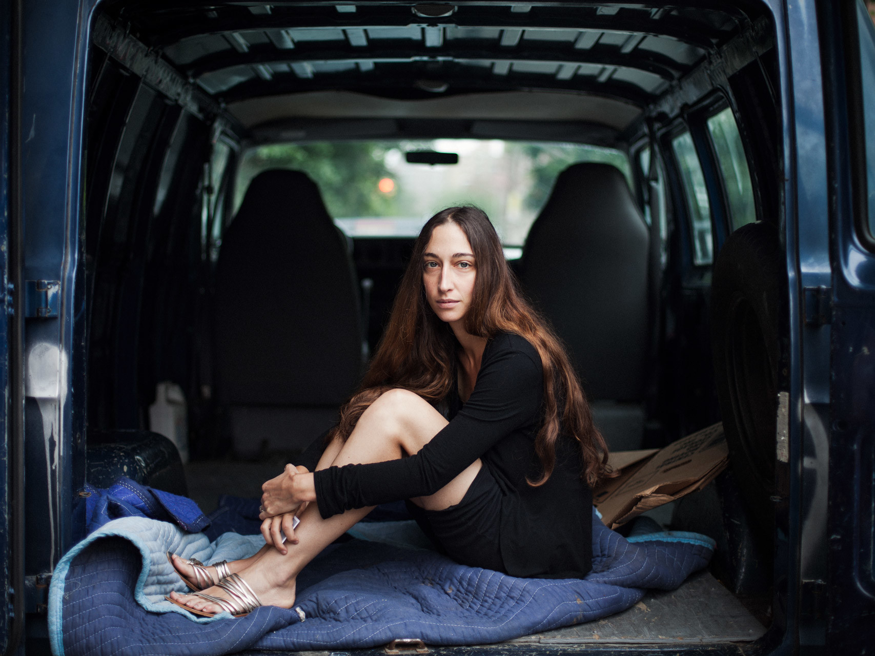 timo-stammberger-photography-new-york-city-manhattan-portrait-woman-long-hair-van