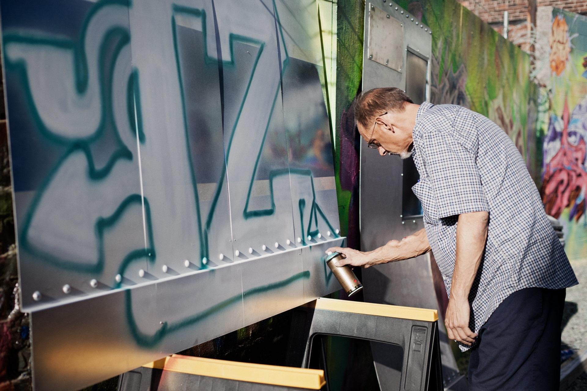 Timo_Stammberger_Photography_Iz_the_wiz_graffiti_New_York_City_Bronx_tmb_old_school_artist_02